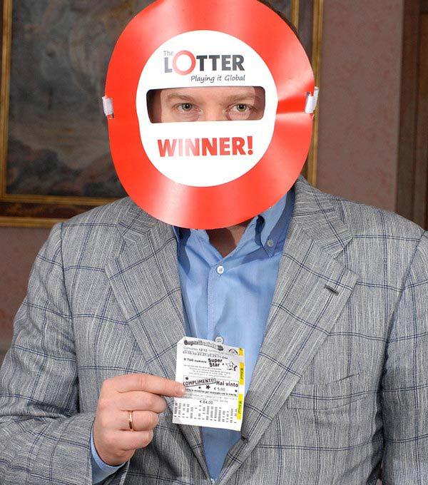 A.K. de Letonia, ganador en theLotter
