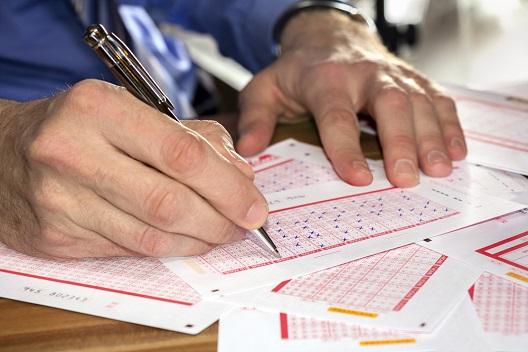 Мифы о лотереях: в лотерею везет лишь однажды